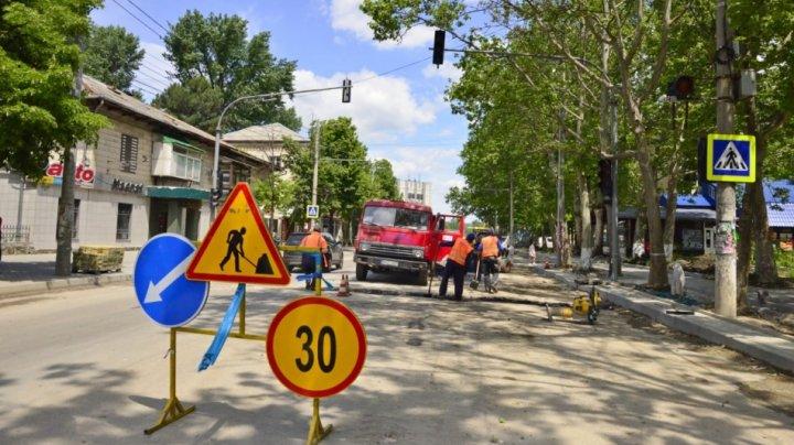Trafic suspendat în weekend pe un tronson de pe strada Ion Creangă