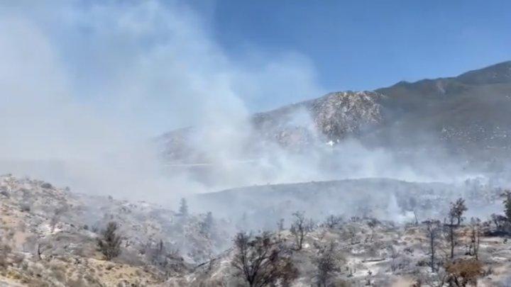 Incendii de pădure în California: Evacuări obligatorii şi autostrăzi închise