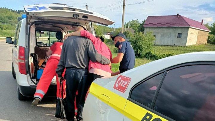 Gest de omenie! Doi inspectori de patrulare din Cimişlia au acordat primul ajutor medical unei femei (FOTO)