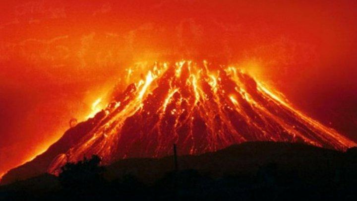 Autorităţile din Japonia au crescut nivelul de alertă după erupţia unui vulcan din sudul ţării