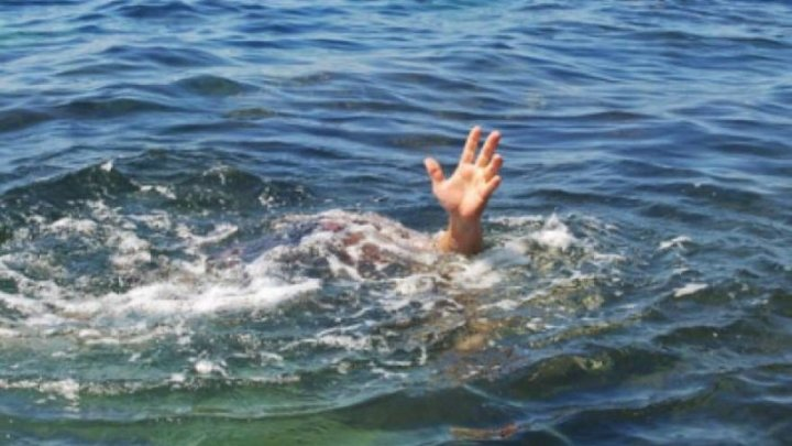 TRAGIC. Un bărbat s-a înecat într-un iaz de pe teritoriul mănăstirii Țigănești, încercând să salveze o oaie