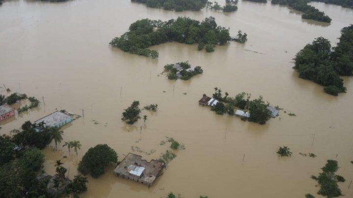 Cel puţin 17 persoane au murit, în urma inundaţiilor şi alunecărilor de teren din Nepal şi Bhutan