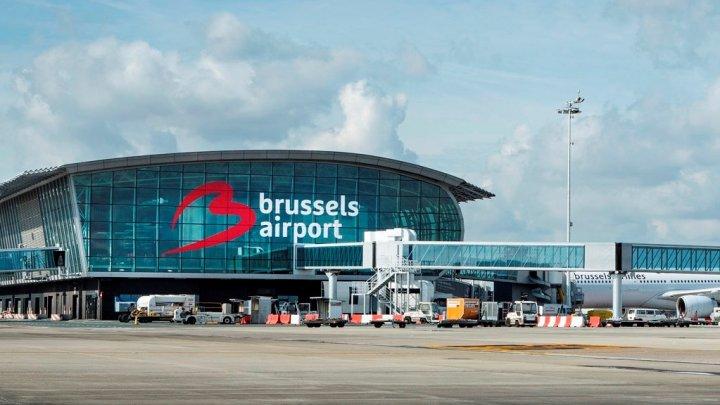 Un an de închisoare pentru un pasager care a încercat să folosească un test PCR falsificat pe aeroportul din Bruxelles