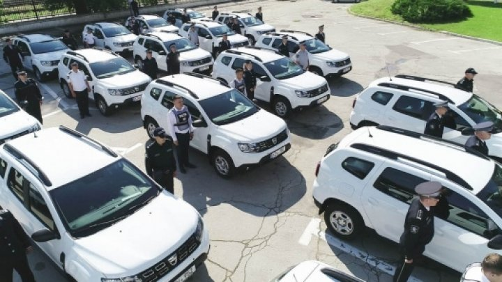 Polițiștii de investigații dotați cu 30 de maşini noi Dacia Duster