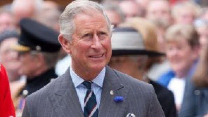 """Prințul Charles i-a susținut pe Harry și Meghan Markle cu o sumă de bani """"substanțială"""" după ce au renunțat la familia regală"""