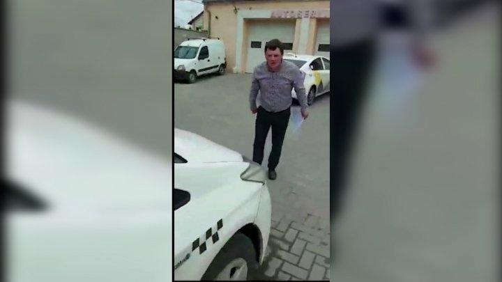 """""""Acționez în numele legii"""": Un avocat din Capitală a spart parbrizele a trei automobile"""