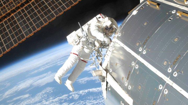 Start pentru prima misiune cu echipaj uman pe stația spațială chineză. 3 astronauți au fost trimiși în spațiu