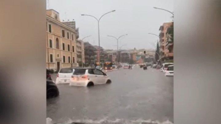 Haos în Roma, după ce o ploaie torențială a inundat străzi și clădiri (VIDEO)