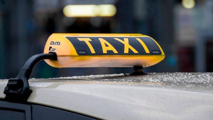 Sunt tot mai puţine maşini de taxi în Capitală. Care este principala cauză