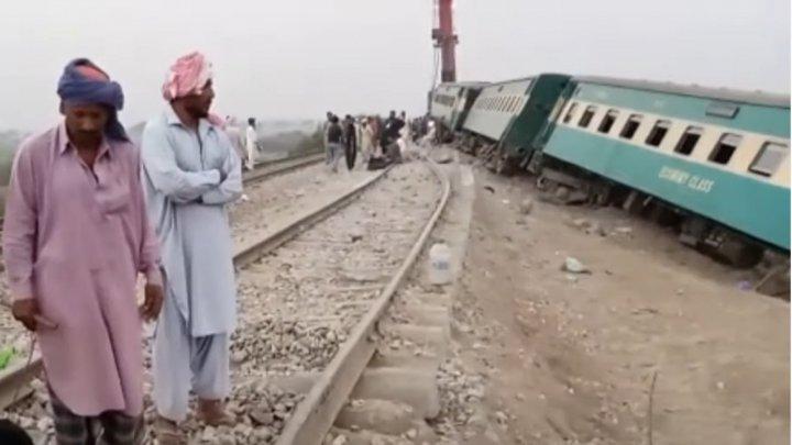 Bilanţul victimelor în urma accidentului feroviar din Pakistan, în continuă creştere. 62 de oameni au murit, iar peste o sută au fost răniţi