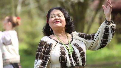 """DOLIU în lumea muzicii. S-a stins din viață solista orchestrei """"Lăutarii"""", Lidia Bejenaru-Botgros"""