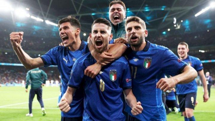 """Italia este noua campioană europeană la fotbal. """"Squadra Azzurra"""" s-a impus în faţa Angliei la penalty-uri cu scorul de 3-2"""