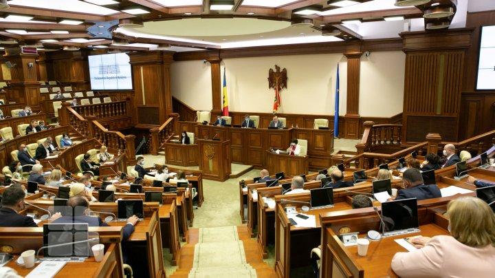 Amânarea şedinţei Parlamentului a perturbat activitatea Consiliului Municipal şi nu a fost pe placul unor consilieri