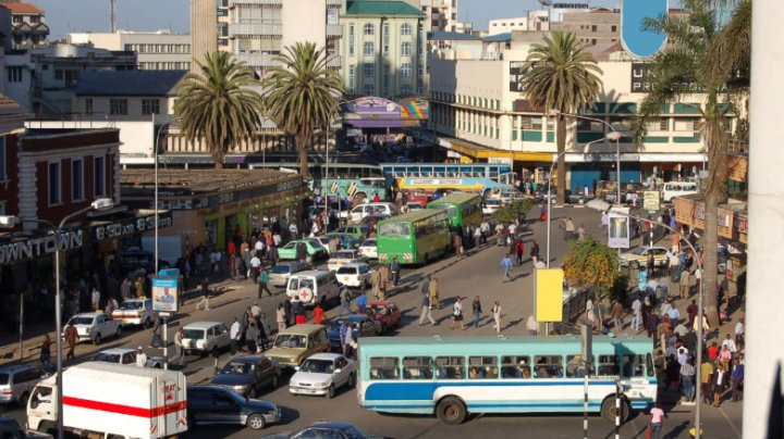 Kenya suspendă toate adunările dintre oameni