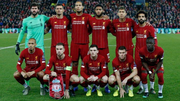 Unii jucători ai FC Liverpool s-au dat în spectacol în timp ce filmau un videoclip de promovare a canalului oficial al clubului
