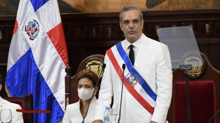 Preşedintele Republicii Dominicane a primit a treia doză de vaccin anti-COVID-19