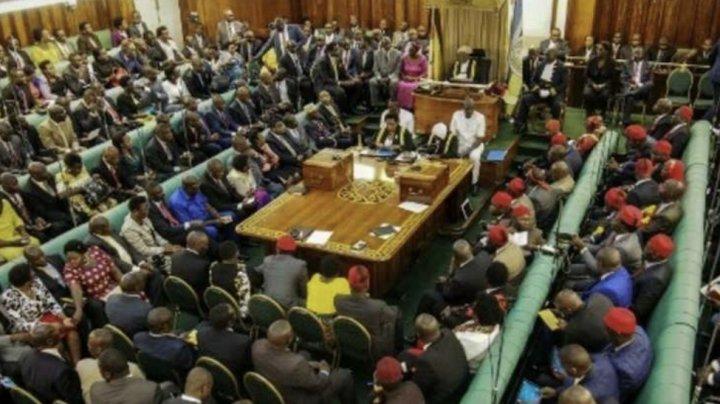 În plină pandemie, fiecare deputat din Uganda a primit aproape 50.000 de euro ca să-şi cumpere maşină