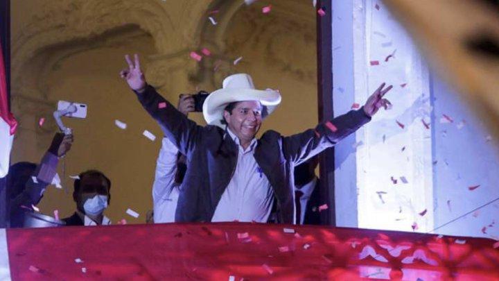 Pedro Castillo, învingător în alegerile prezidenţiale din Peru