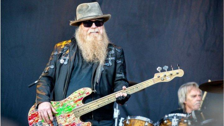DOLIU în lumea muzicii. S-a stins din viață basistul trupei americane ZZ Top, Dusty Hill