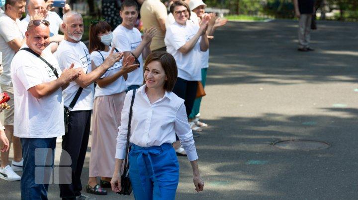 """Preşedintele Republicii Moldova, Maia Sandu, a votat. """"Dragi oameni, vă rog să vă faceţi timp pentru cel mai important drum, drumul la vot"""" (FOTO)"""