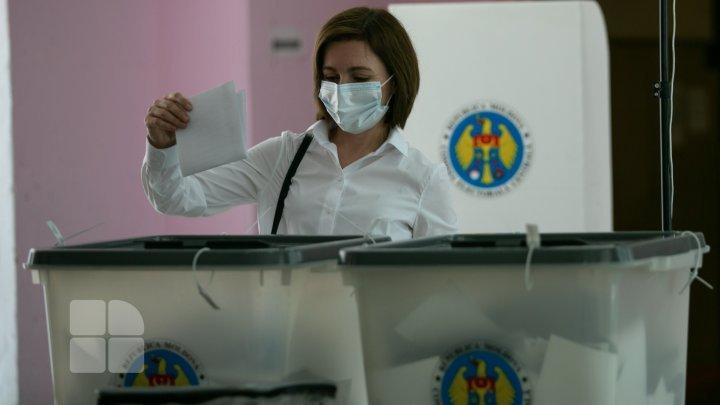 Moldova, în centrul atenţiei presei internaţionale, din cauza alegerilor parlamentare anticipate