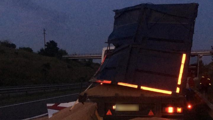 Un autobuz din Moldova, implicat într-un ACCIDENT GRAV pe şoseaua Odesa-Kiev. Un mort şi mai mulţi răniţi