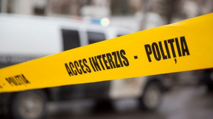 O femeie a ajuns la spital după ce a fost lovită de un microbuz la Orhei