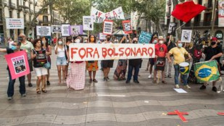 Proteste în Brazilia. Oamenii au ieşit în stradă pentru a cere destituirea din funcţie a preşedintelui Jair Bolsonaro