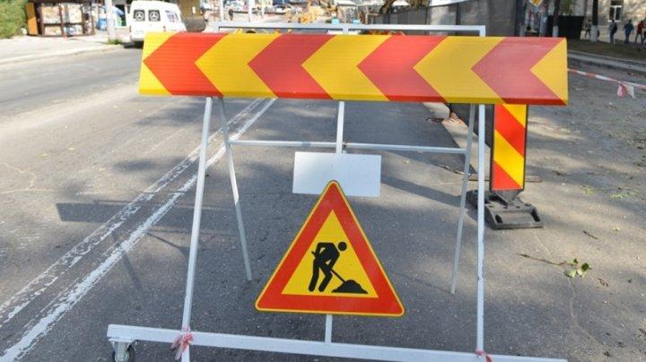 Trafic rutier suspendat pe unele străzi din Capitală