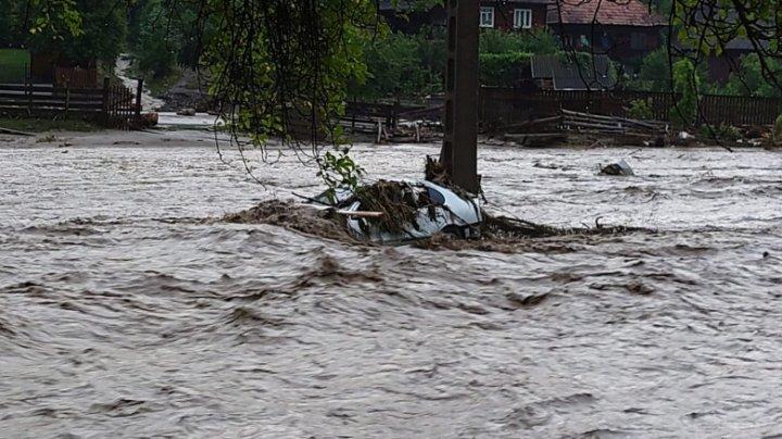 Ciclonul care a făcut prăpăd în Germania a ajuns în România. Sute de oameni, evacuaţi din calea apelor