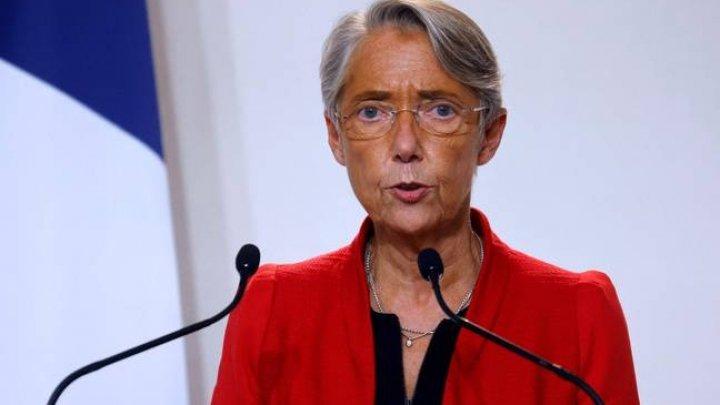 Ministrul Muncii din Franța a declarat că un salariat va putea fi concediat dacă nu va prezenta un permis sanitar