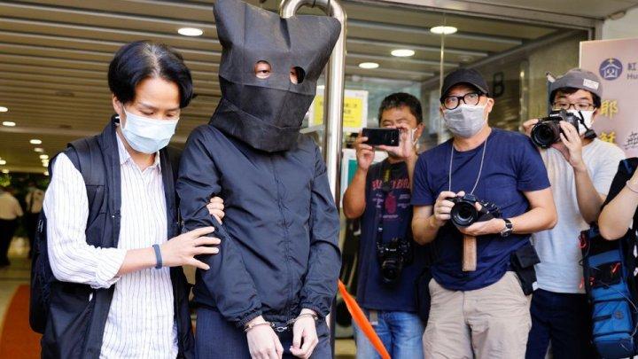 Poveștile pentru copii despre oi și lupi incită la razvratire și ură, acuză guvernul din Hong Kong. Poliția a reținut 5 persoane