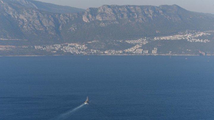 O barcă cu 45 de persoane la bord s-a scufundat în Marea Mediterană