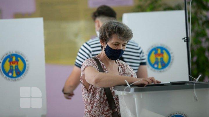 Chişinăul votează masiv PAS, regiunea transnistreană - BECS