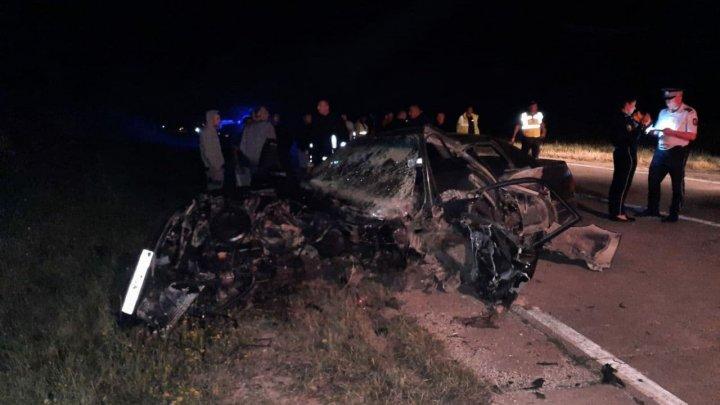Accident TRAGIC în raionul Sîngerei. Ambii pasageri ai unuia din automobile au decedat pe loc (VIDEO)