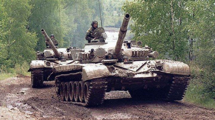 Rusia a adus tancuri T-72 la 20 de kilometri de hotarul cu Afganistanul