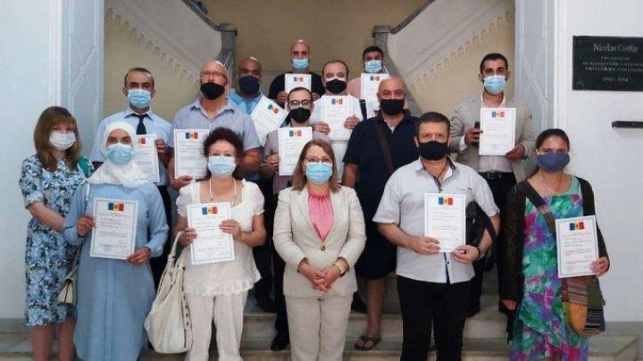 17 persoane străine care locuiesc în Chișinău, au depus JURĂMÂNTUL pentru obținerea cetățeniei Republicii Moldova