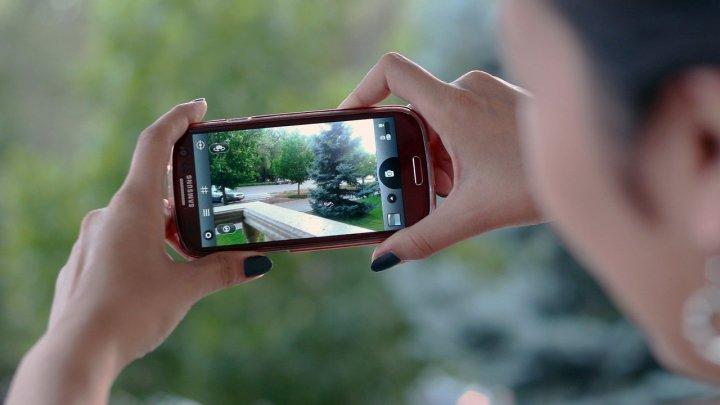Ucrainenii vor putea filma cu telefoanele mobile încălcările din trafic și vor primi 10% din amenda plătită de infractor