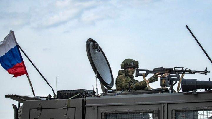 Rusia a mobilizat blindate la granița cu Afganistan