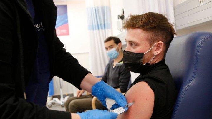 Studenții din Marea Britanie ar putea fi OBLIGAȚI să se vaccineze anti-Covid