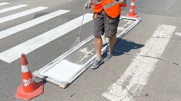 A început aplicarea marcajului rutier  în preajma instituțiilor de învățământ din Capitală