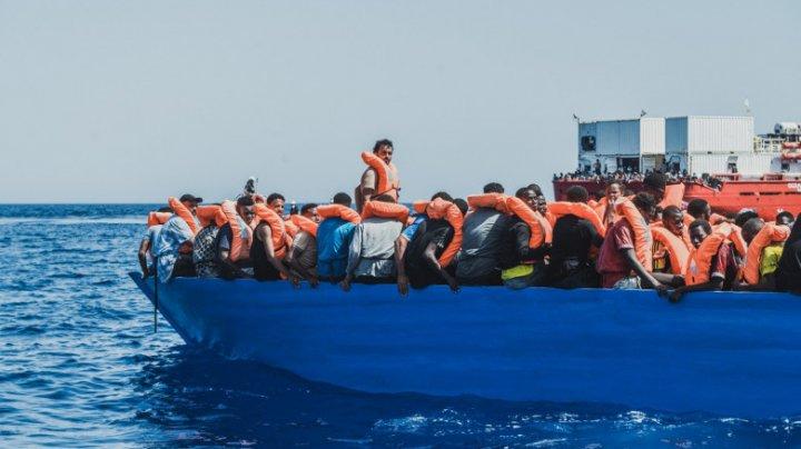 Peste 700 de migranți au fost salvați într-un singur weekend din Marea Mediterană