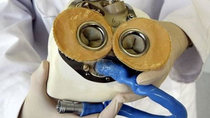 Prima inimă artificială cântărește aproape 1 kg și a salvat viața unui bărbat de 32 de ani