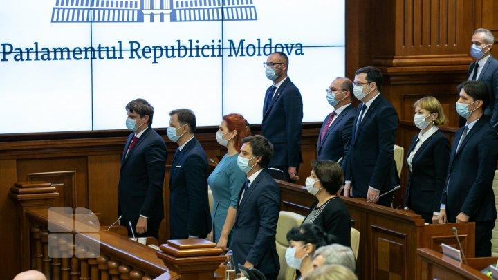 Votul de încredere şi jurământul de învestitură al Guvernului Gavriliţa (FOTOREPORT)