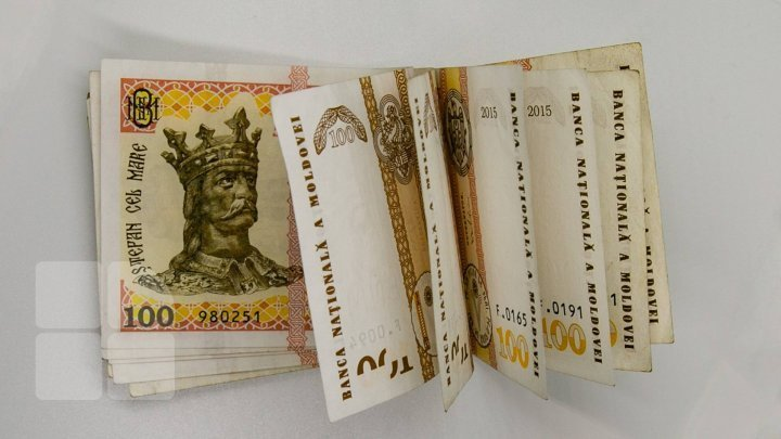 STUDIU: Pandemia i-a făcut pe moldoveni să cheltuie mai puţin. În 2020 economiile au crescut cu 2,1 la sută