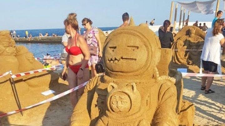 Odessa Sand Fest-2021: sculpturi gigantice din nisip create pe plajă
