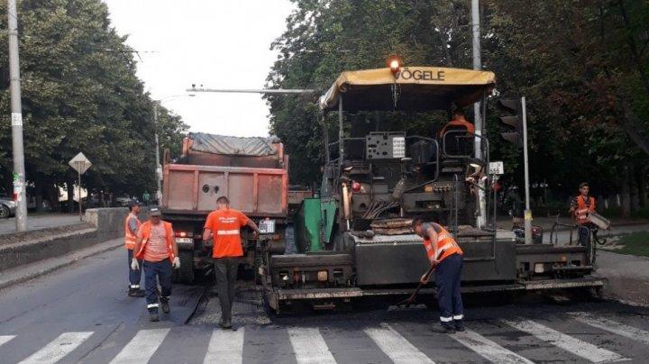 Restricţii de circulaţie pe unele străzi din Capitală. Zonele pe care ar trebui să le evite șoferii
