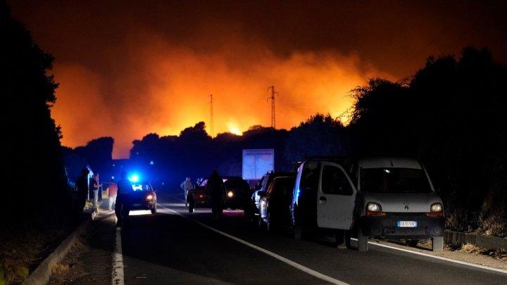 Incendiile din Italia fac victime printre turiști. Cel puțin cinci persoane au fost rănite