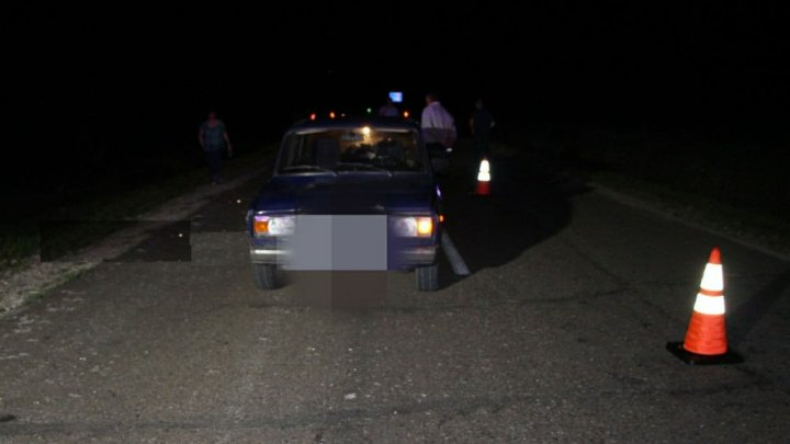 Accident FATAL în raionul Ocniţa. Un şofer a lovit mortal o femeie care se deplasa pe marginea drumului