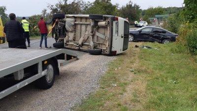 Accident grav la Drochia. Un automobil s-a răsturnat după ce s-a izbit violent de o altă maşină